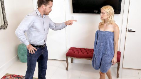 Step dad johnny cock feeding her step daughter zoey monroe - 3 1